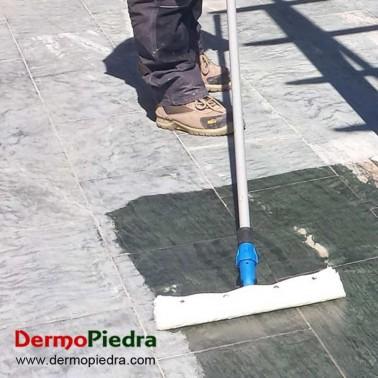 Aplicación de Fila StonePlus en pavimento de pizarra.